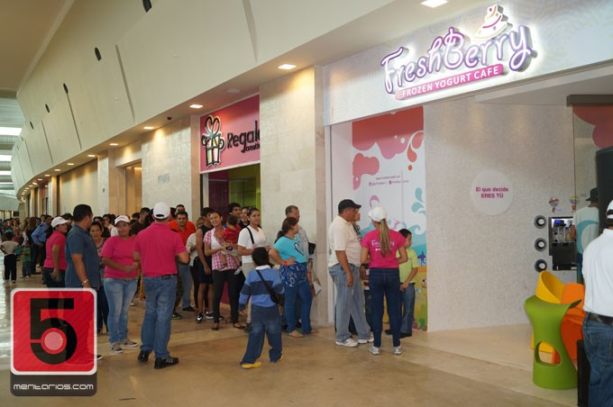 FreshBerry Frozen Yogurt Cafe Centro Comercial Parque Costa Azul